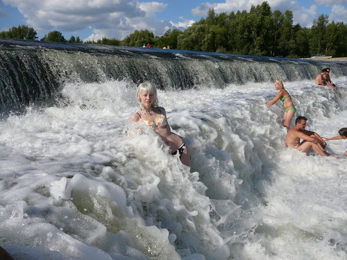 http://humanclub.ru/foto/2009/vodo_ludi.jpg