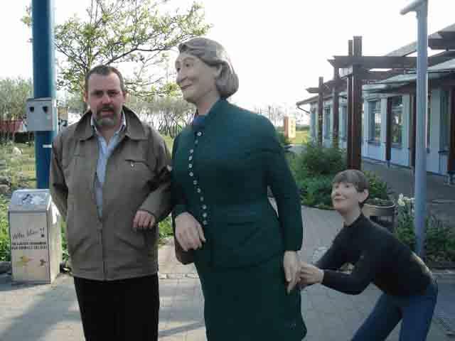 http://humanclub.ru/foto/2011/2011-dre/1/DSC03989.jpg