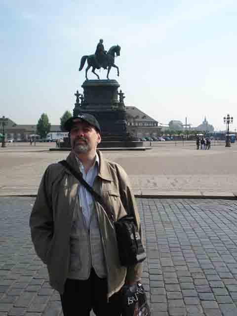 http://humanclub.ru/foto/2011/2011-dre/1/DSC03992.jpg