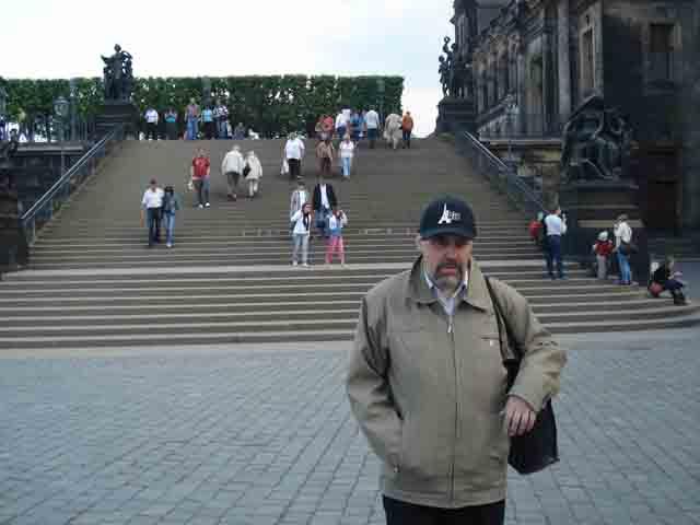 http://humanclub.ru/foto/2011/2011-dre/1/DSC04002.jpg