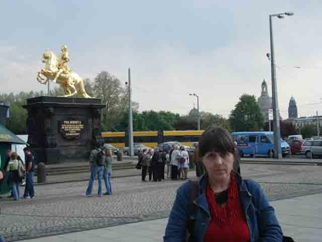 http://humanclub.ru/foto/2011/2011-dre/1/DSC04031.jpg