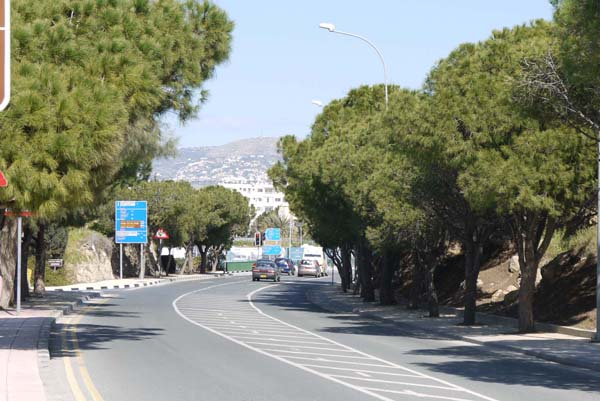 http://humanclub.ru/foto/2012/kypr/2/P1010797.jpg
