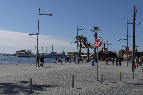 http://humanclub.ru/foto/2012/kypr/2/P1010816.jpg