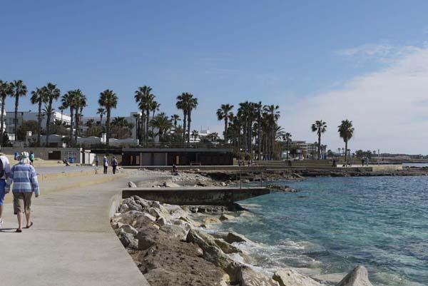 http://humanclub.ru/foto/2012/kypr/2/P1010840.jpg