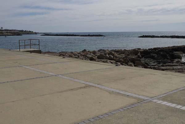 http://humanclub.ru/foto/2012/kypr/2/P1010846.jpg