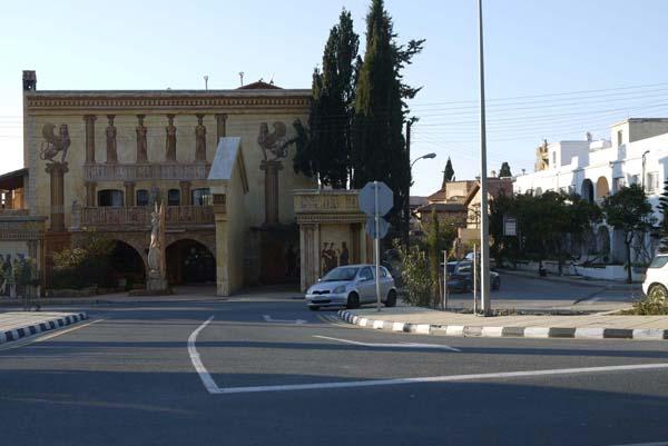 http://humanclub.ru/foto/2012/kypr/2/P1020076.jpg