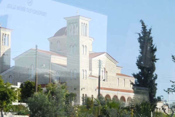 http://humanclub.ru/foto/2012/kypr/2/P1020134.jpg