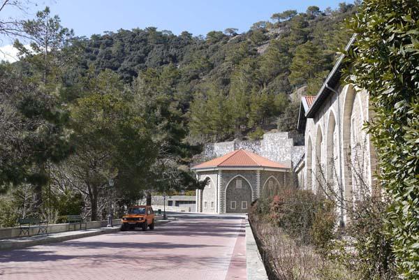 http://humanclub.ru/foto/2012/kypr/2/P1020329.jpg